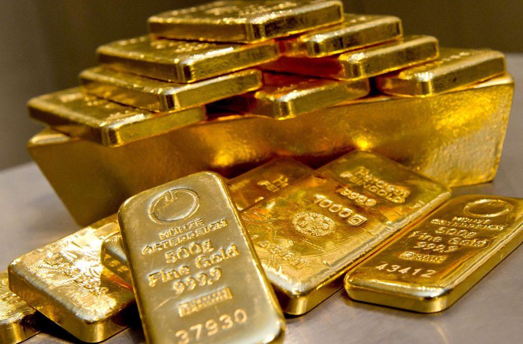 Gold gilt als sichere Anlagequelle. Das Gericht in Stuttgart verhandelt einen mutmaßlichen Fall von Betrug mit dem Edelmetall. (Symbolbild) Foto: dpa/Sven Hoppe