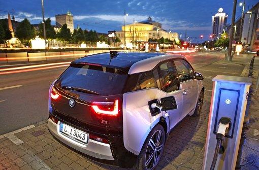 BMW liegt im Rennen um E-Autos vorn