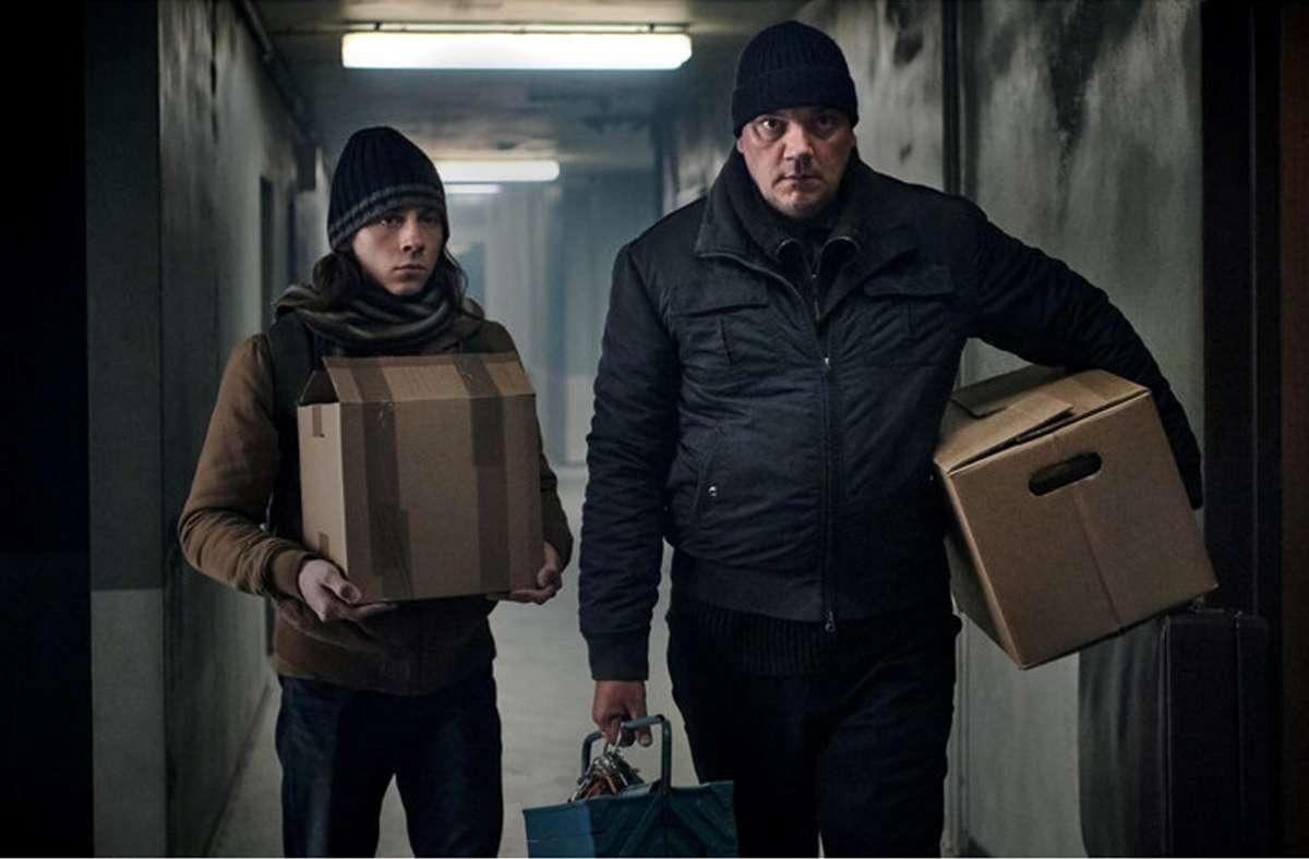 """Gruselstimmung im Oktober: Seit dem 29. Oktober läuft die deutsche Horrorserie """"Hausen"""" auf Sky. Foto: Sky Deutschland AG und Sky Deuts"""