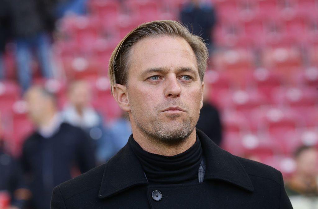Timo Hildebrand ist mit Thomas Hitzlsperger  zufrieden. Foto: Pressefoto Baumann