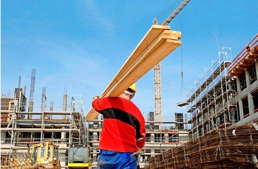Immer mehr Bauarbeiter aus Osteuropa werden in normalen Mietwohnungen untergebracht. Den Vermietern verspricht das eine lukrative Rendite. Foto: dpa