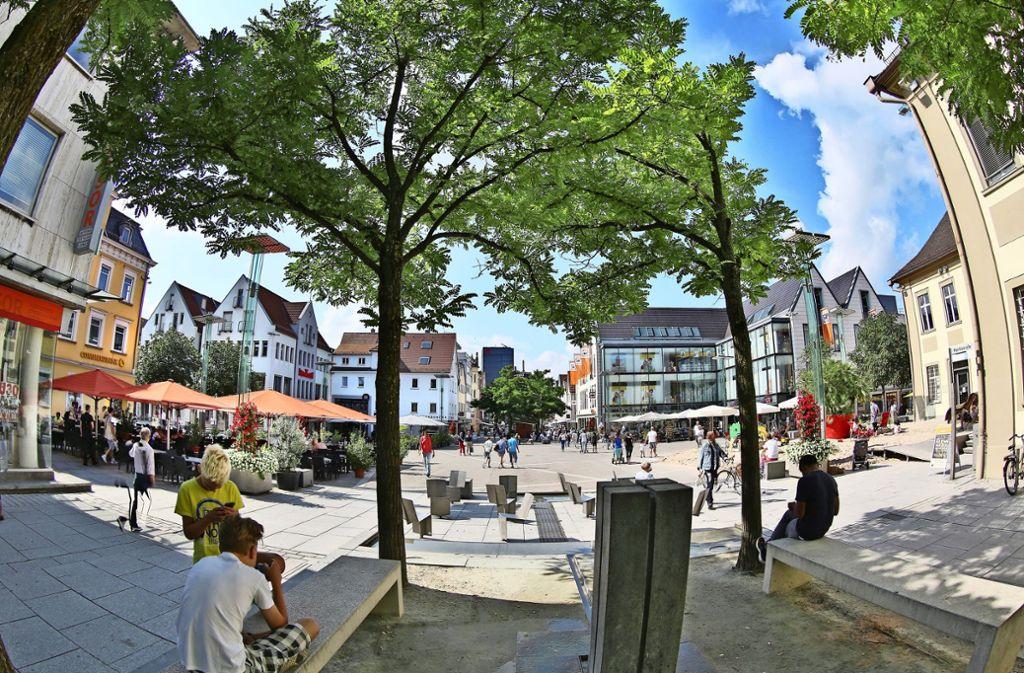 Der Göppinger Marktplatz ist vor allem im Sommer ein beliebter Treffpunkt. Foto: Horst Rudel/Archiv
