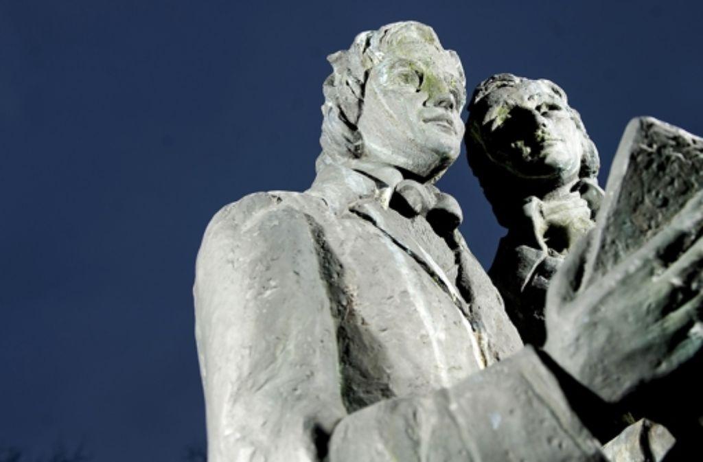 Das Denkmal der Brüder Grimm in Kassel. Foto: dapd