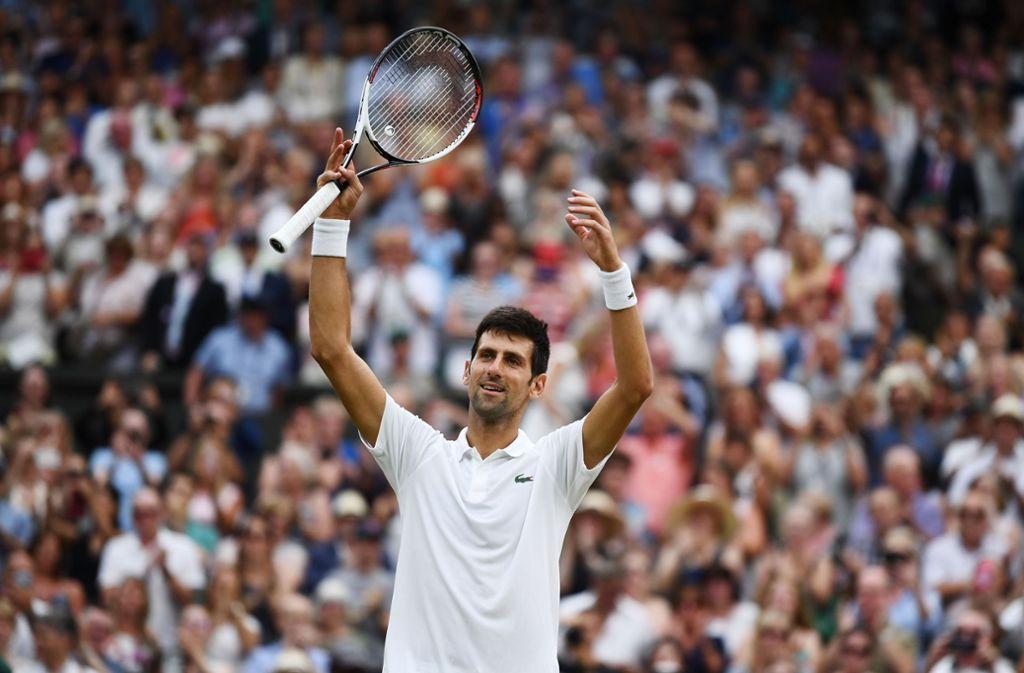 Novak Djokovic jubelt nach dem Sieg gegen Rafael Nadal im Halbfinale von Wimbledon. Foto: Getty Images Europe