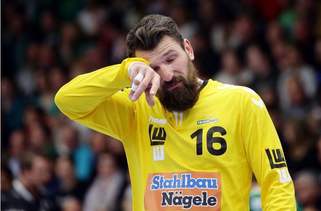 Das könnte ins Auge: Hinter dem Wechsel von Frisch-Auf-Keeper Primoz Prost zum Schweizer Erstligisten TSV St. Otmar St. Gallen steht plötzlich ein ganz dickes Fragezeichen. Seinem Teamkollegen Jens Schöngarth geht es nicht besser. Foto: Baumann