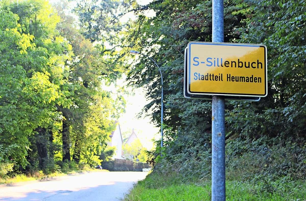 Das Schild gibt Auskunft – doch ist es die richtige? Foto: Caroline Holowiecki