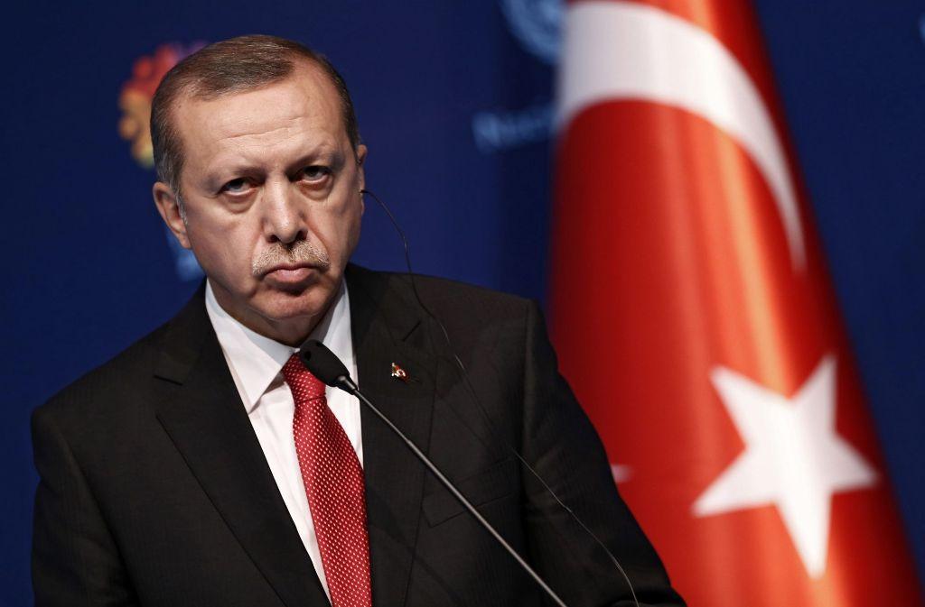 Der  türkische Staatschef Erdogan hofft auf eine schnellere Auslieferung des Erzfeindes Fethullah Gülen durch Trump. Foto: