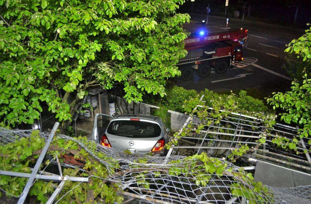 Die Frau musste schließlich von der Pforzheimer Feuerwehr befreit werden. Foto: 7aktuell.de/ igm/7aktuell