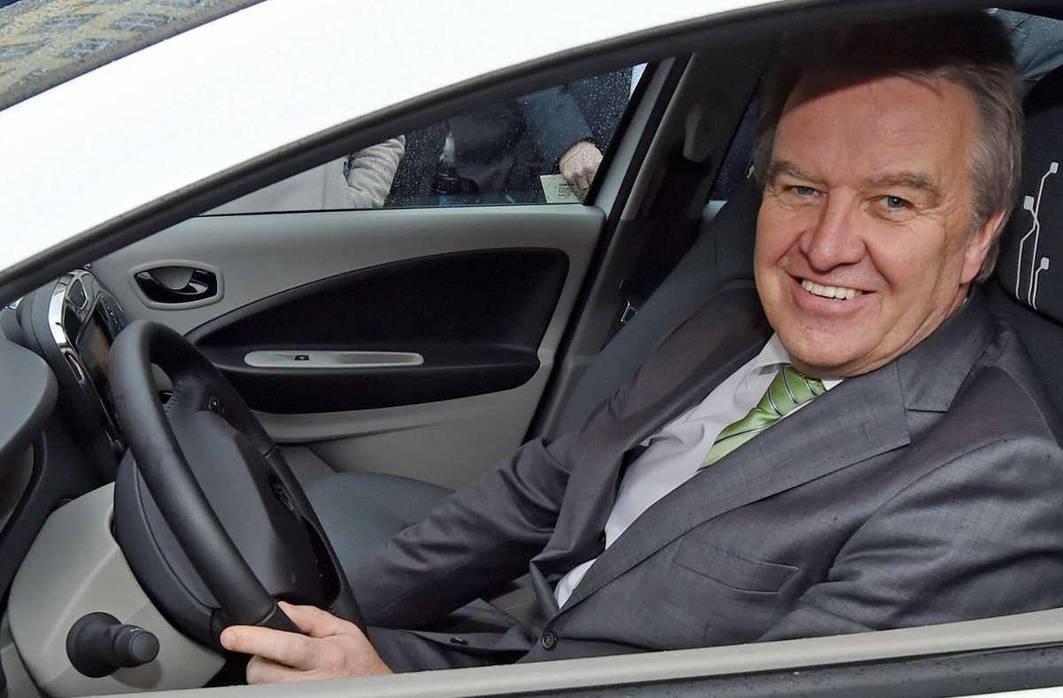 Franz Untersteller (Grüne) ist von der Polizei erwischt worden – er war zu schnell auf der Autobahn unterwegs. (Archivbild) Foto: picture alliance / dpa/Uli Deck
