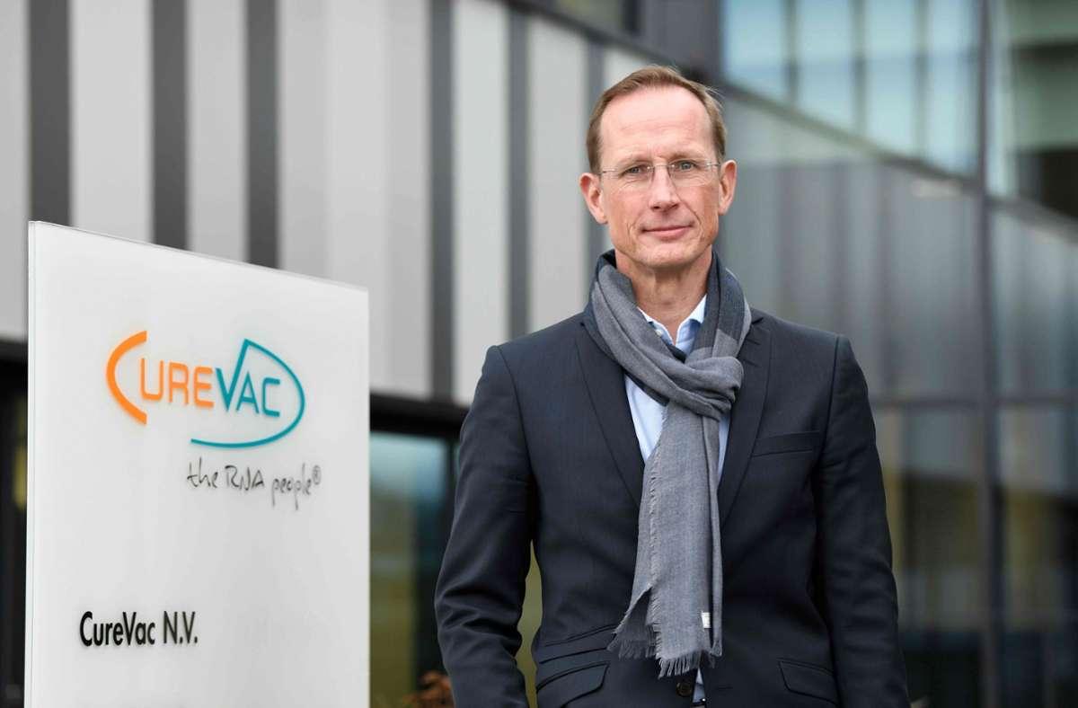 Curevac-Chef Franz-Werner Haas will die internationale Zusammenarbeit fördern. Foto: AFP/THOMAS KIENZLE