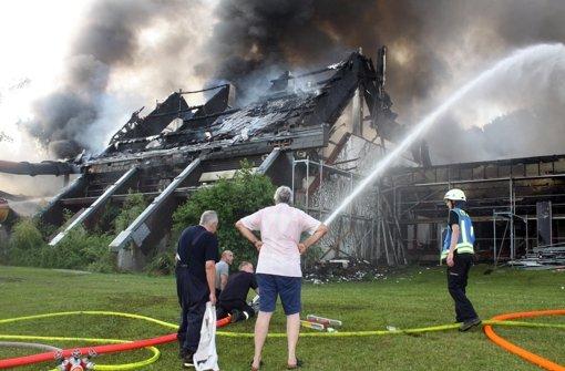 Schwaketenbad geht in Flammen auf