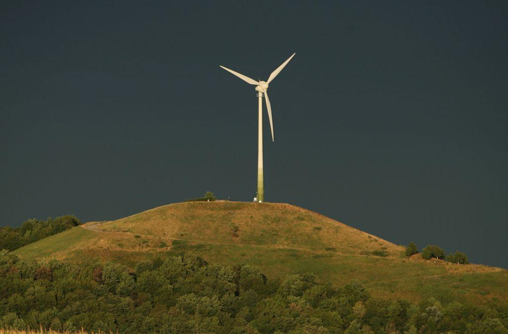 So kennt man den Grünen Heiner: Oben steht ein Windrad. Foto: