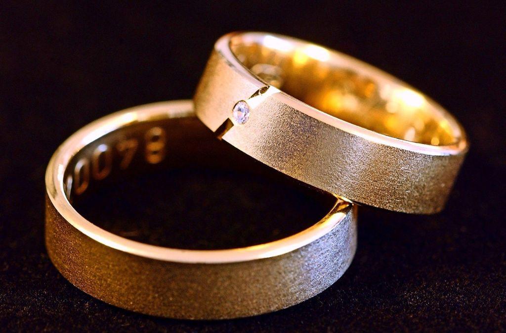 Ohne Standesbeamte keine Ehe. Foto: dpa