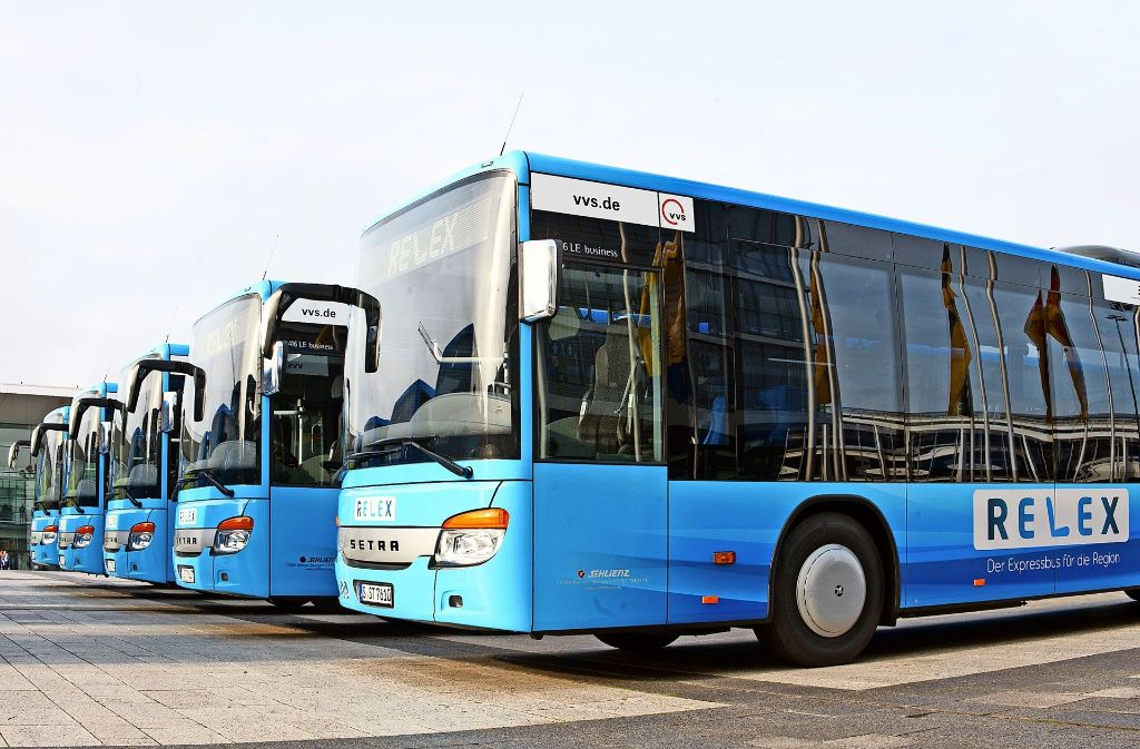 Ganz in blau: die neuen Relex-Busse Foto: Lichtgut/ Oliver Willikonsky