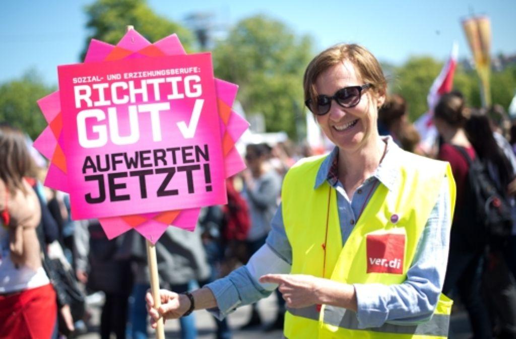 Nach diversen Protesten und Warnstreiks wollen die bei Verdi organisierten Erzieherinnen nun ernst machen und für ihre Forderungen dauerhaft die Arbeit niederlegen. Foto: dpa
