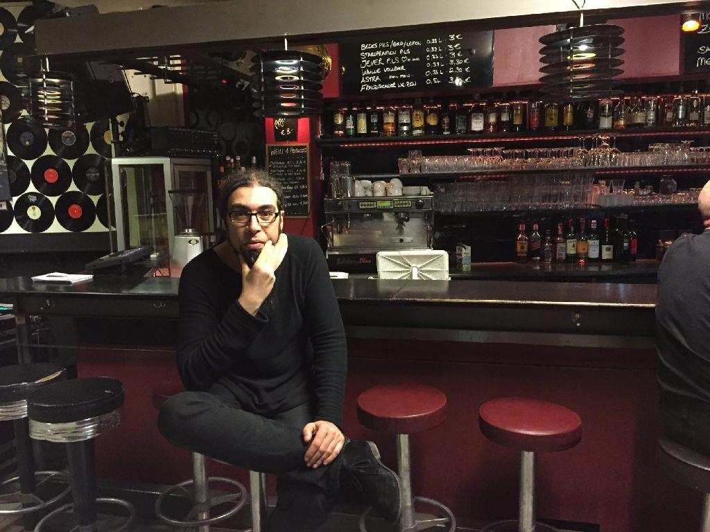 Nach Prag, Röhre und LKA Longhorn ist Michael Setzer im Goldmarks angekommen. Hier kann er die Musik spielen, die er am liebsten mag. Foto: Ina Schäfer