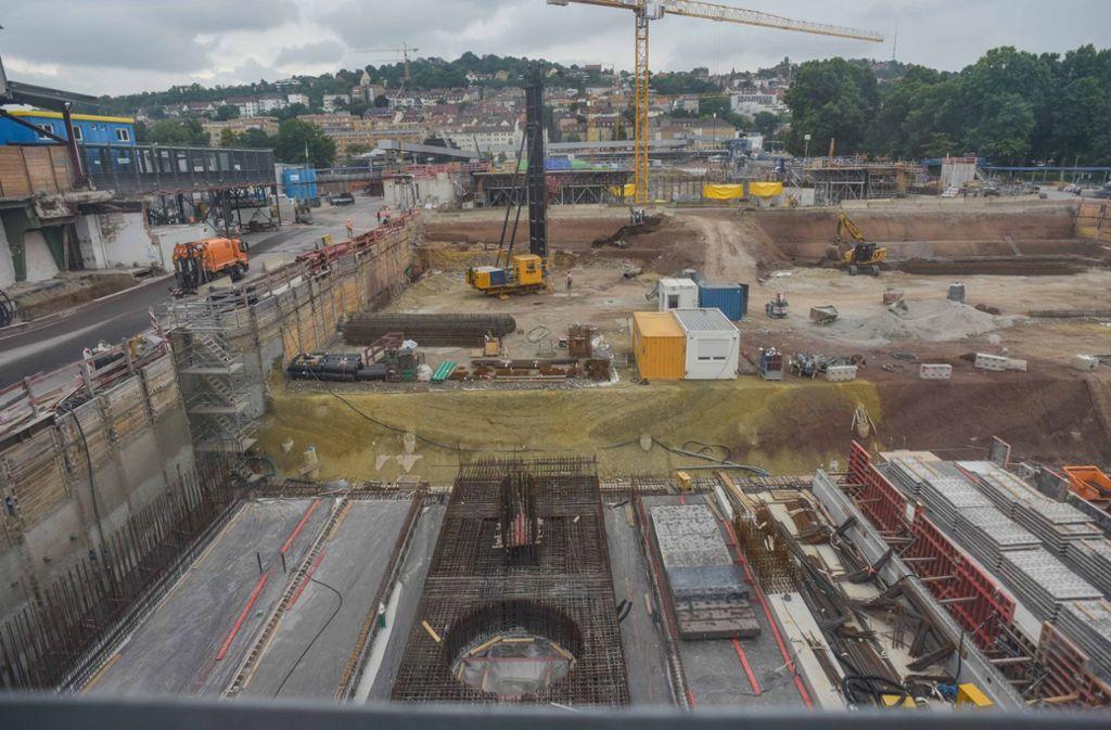 Der  neue Tiefbahnhof solle Ende 2025 fertig sein. Dann werden die alten Gleisanlagen abgebaut. Foto: Lichtgut/Max Kovalenko