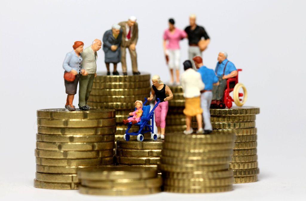 Die durchschnittlich stabile Sparquote verdeckt erhebliche Unterschiede. Foto: imago stock&people