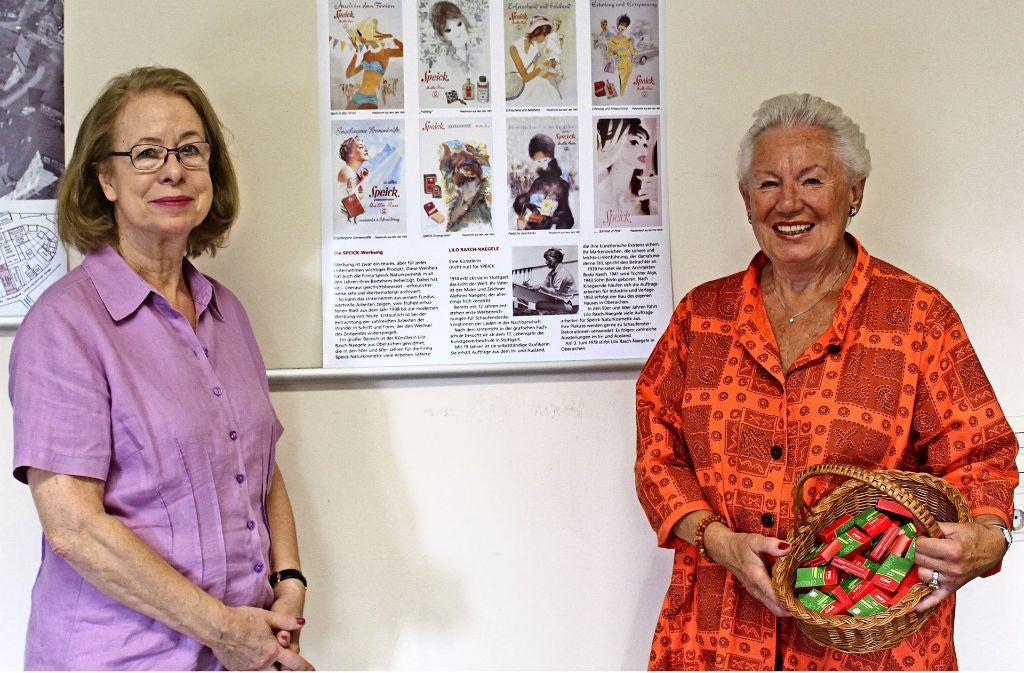 Inge Epping (links) und Irene Reichert haben die Ausstellung organisiert. Foto: J. Fritsch