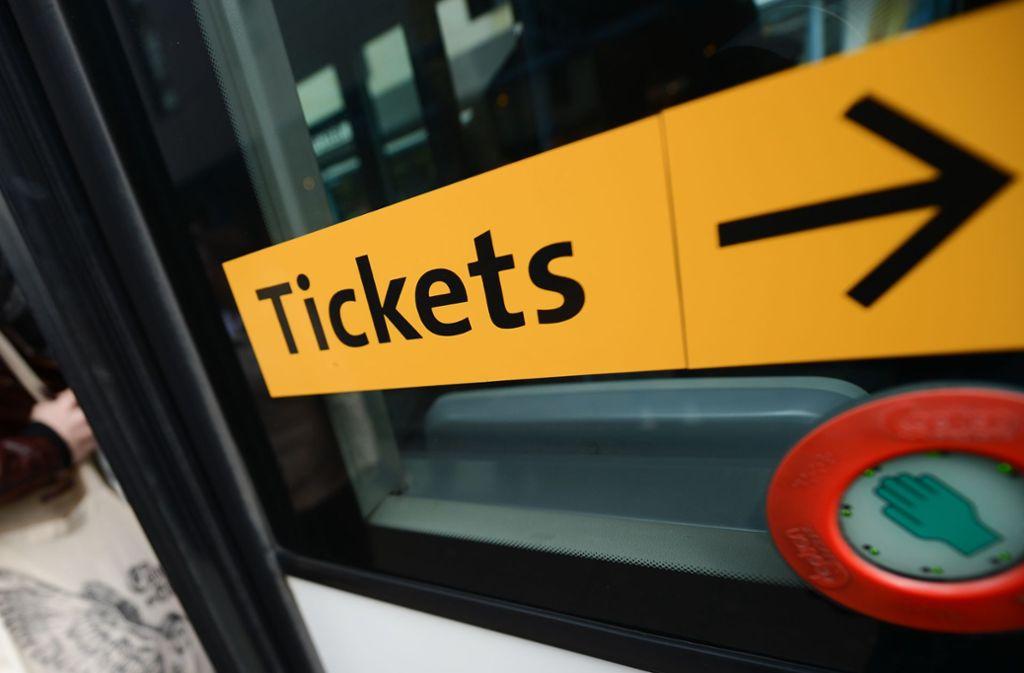 Was passiert mit meinen Tickets, wenn Veranstaltungen wegen des Coronavirus abgesagt werden? (Symbolfoto) Foto: dpa/Arne Dedert
