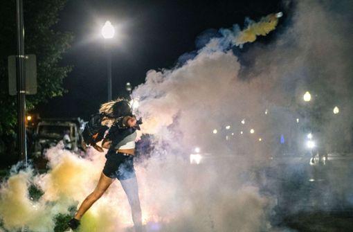 Zwei Tote bei Protesten nach Polizeieinsatz gegen Schwarzen
