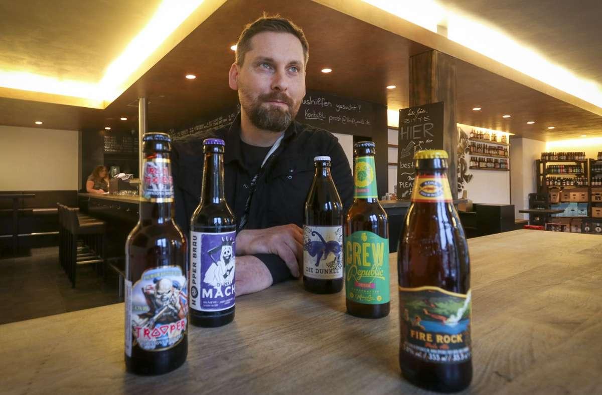 Das Craft Beer Festival fällt dieses Jahr aus, Thorsten Schwämmle  vom Kraftpaule feiert dennoch das fünfjährige Bestehen – mit einer Online-Bierprobe. Foto: factum//Granville
