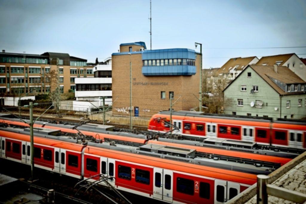 Im Vaihinger Stellwerk haben  am Dienstag defekte  Computer den Ausfall vieler S-Bahnen verursacht. Foto: Lichtgut/Achim Zweygarth