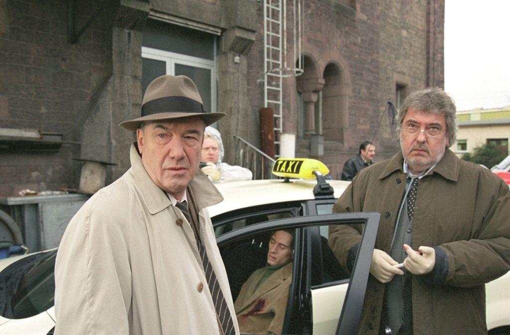 """Klaus Spürkel als Dr. Kocher (rechts) zusammen mit Dietz-Werner Steck als Kommissar Bienzle im """"Tatort - Bienzle und der Taximord"""" (undatierte Aufnahme). Foto: Schweigert/SWRdpa"""