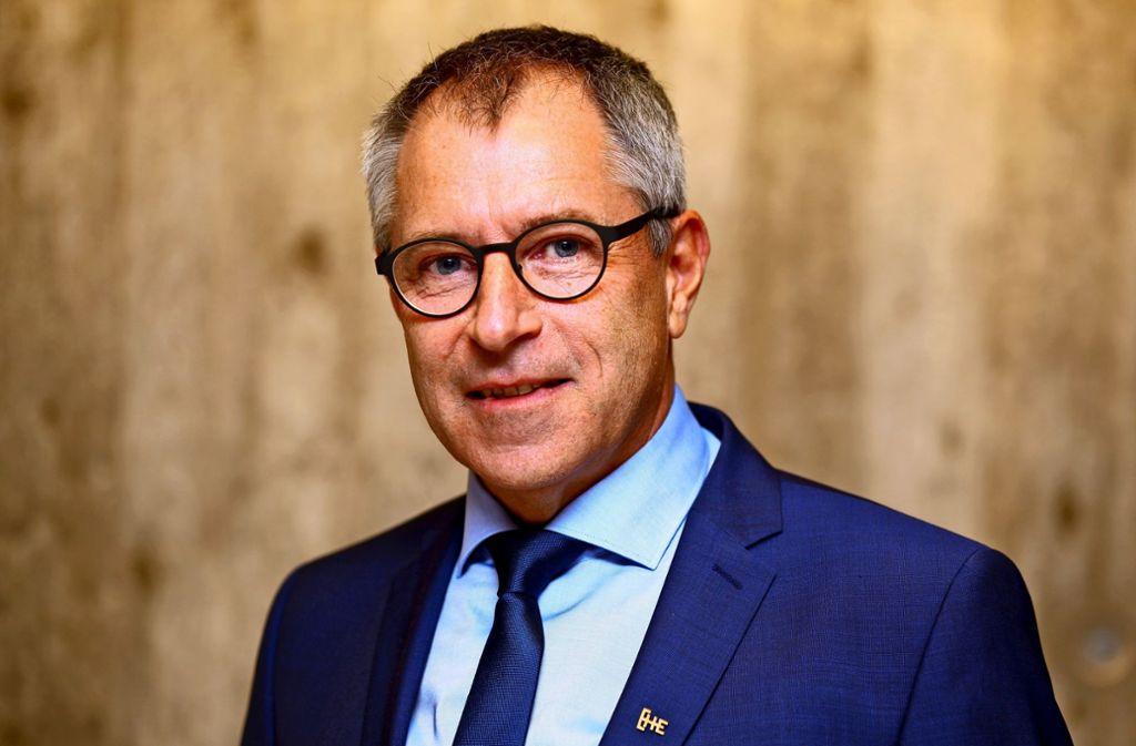 Professor Christof Wolfmaier ist Experte für Fahrzeugtechnik. Foto: Hochschule Esslingen