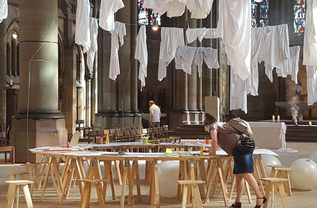 Der Kirchenraum ist völlig verwandelt Foto: Kathrin Wesely