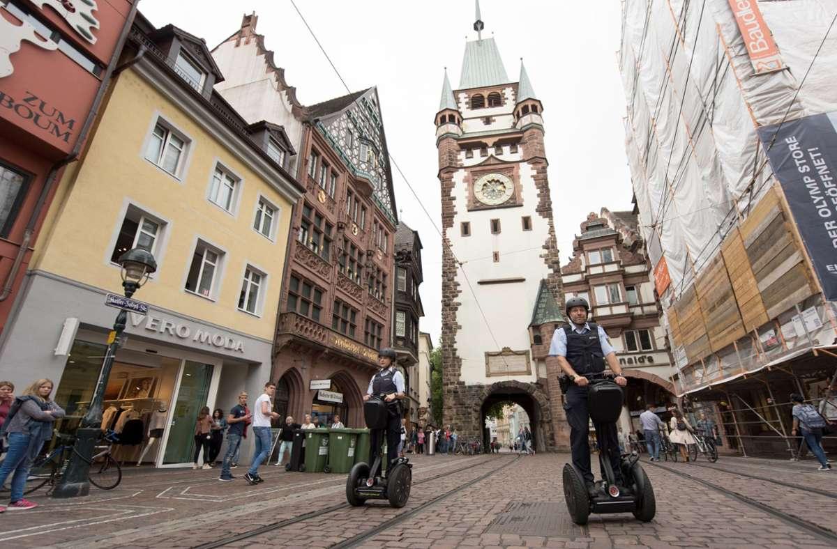 Freiburg ist die erste Stadt im Land, die eine Sicherheitspartnerschaft vereinbart hat. Foto: dpa/Patrick Seeger