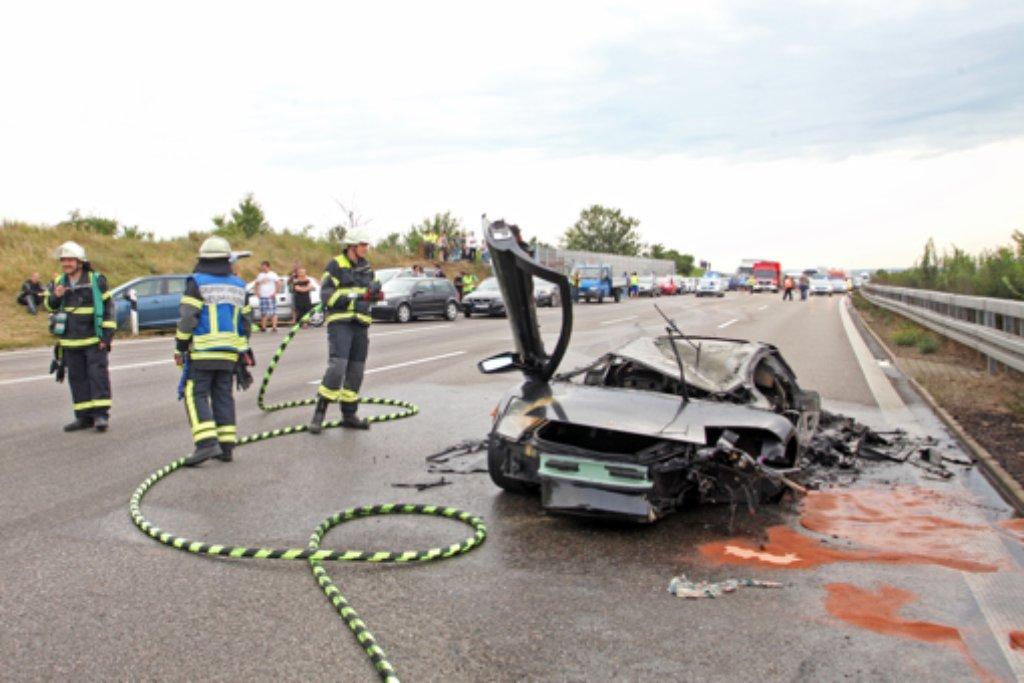 Bei einem schweren Unfall mit einem Lamborghini sind am Samstagabend zwei Menschen ums Leben gekommen. Foto: 7aktuell.de   Daniel Jüptner