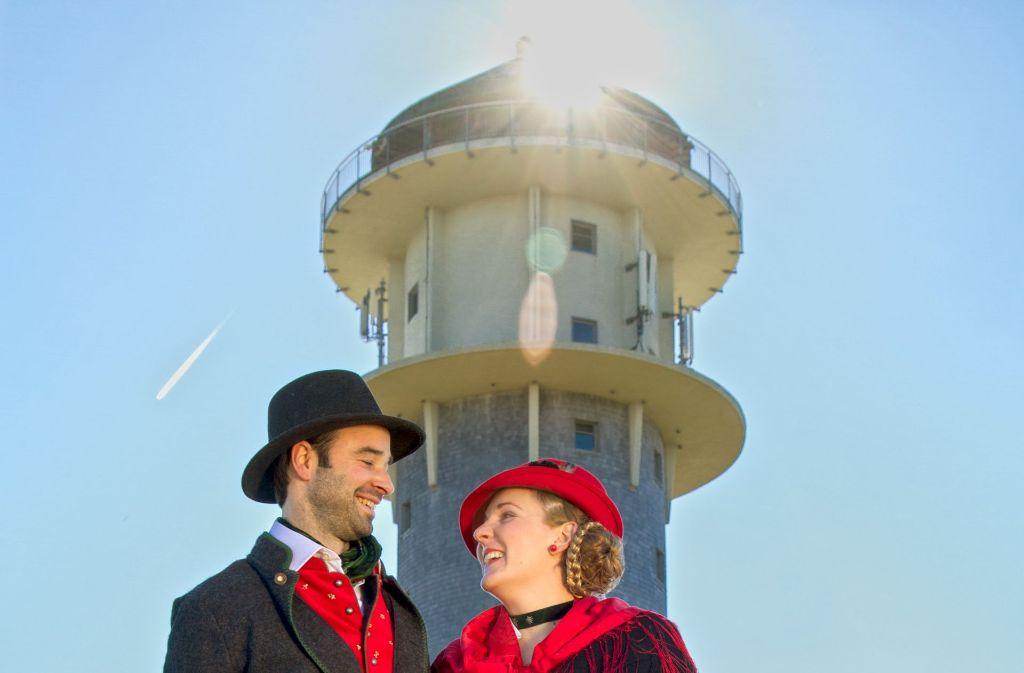 Zünftig ist eine Trauung am höchsten Punkt des Landes: auf dem Feldbergturm.Foto:Feldberg-Touristik Foto: