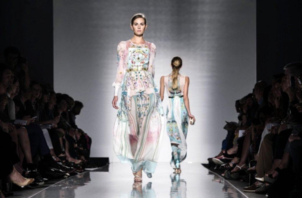 fashion week in rom alta roma entdeckt junge talente. Black Bedroom Furniture Sets. Home Design Ideas
