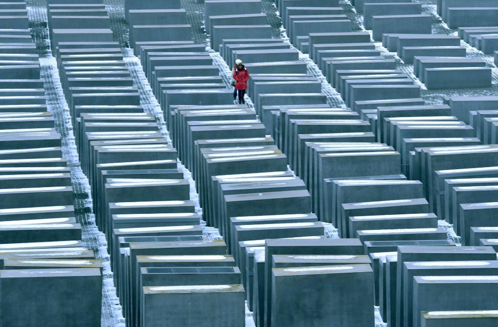 Das Mahnmal in Berlin erinnert an die Ermordung der Juden im Zweiten Weltkrieg. Foto: dpa