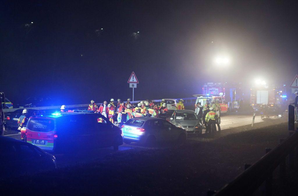 Bei dem Unfall auf der B27 kamen zwei Menschen ums Leben. Foto: SDMG