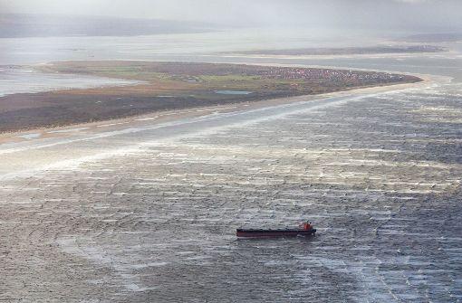 Sorge um Wattenmeer wegen gestrandetem Frachter