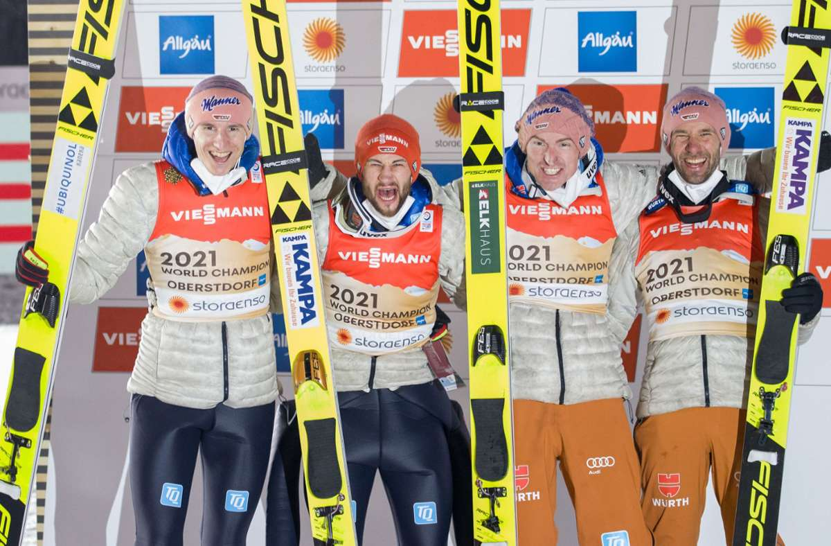 Jubel bei den deutschen Skispringern in Oberstdorf Foto: dpa/Daniel Karmann