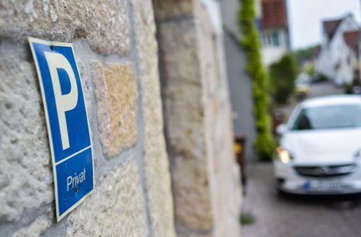Frau vergisst neuen Parkplatz und meldet Auto bei Polizei als gestohlen