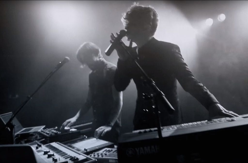 Tiemo Hauer als Electro-Duo? Ja, ein bisschen, so wie hier auf Youtube. Aber nicht beim Konzert im Wizemann am Samstag. Foto: Tiemo Hauer bei Youtube (Screenshot)