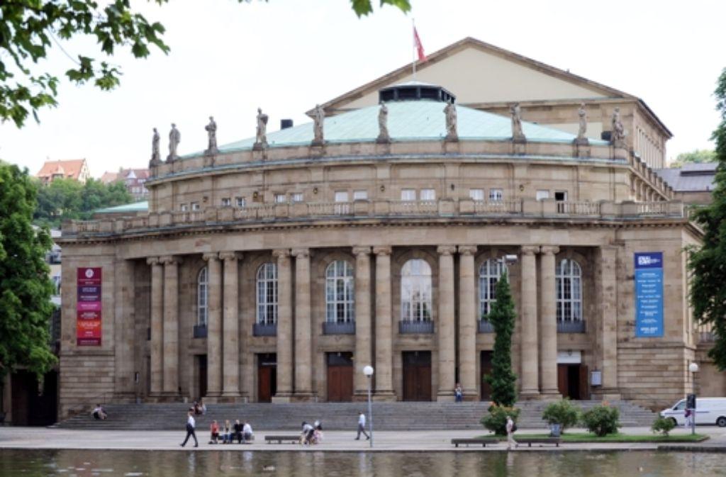 Das Opernhaus muss saniert werden. Foto: dpa