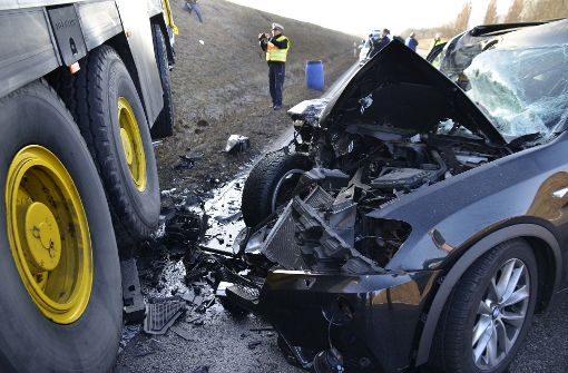Autokranfahrer kracht in Gegenverkehr