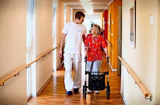 Integration von  Pflegern  gelingt nur teils