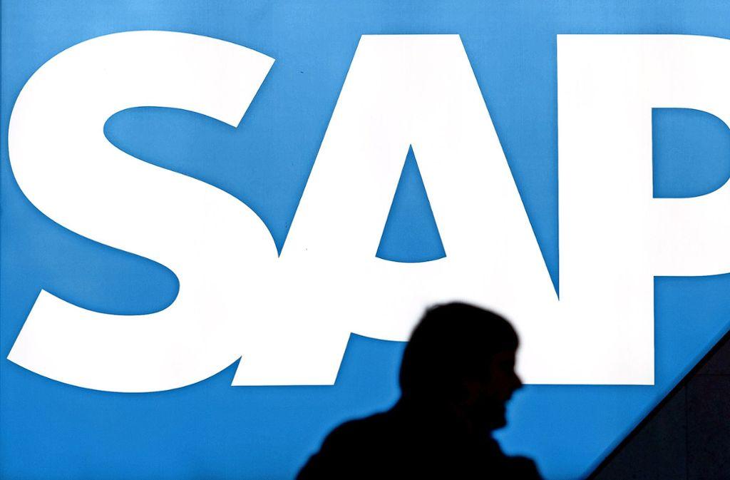 """Die Buchstaben des Firmennamens stehen nach Unternehmensangaben für """"Systeme, Anwendungen und Produkte in der Datenverarbeitung"""". Foto: dpa/Uwe Anspach"""