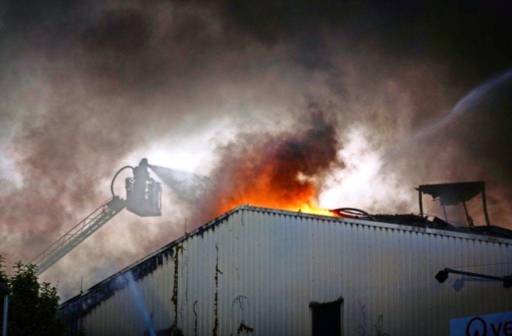 Ein Brand in einer Müllsortieranlage in Backnang und viele andere Dinge haben die Feuerwehr dieses Jahr beschäftigt. Foto: Stoppel/Archiv