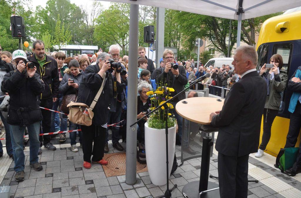 Oberbürgermeister Fritz Kuhn beim Fest zur Verlängerung der U12: Solche Anlässe würde der OB gerne öfter feiern. Foto: Andreas Rosar Fotoagentur-Stuttg