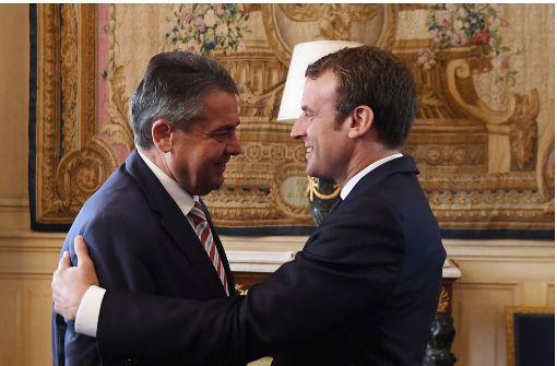 Gabriel besucht Frankreichs Präsidenten Macron