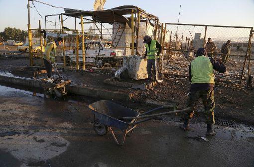 Autobomben-Anschlag fordert Dutzende Tote