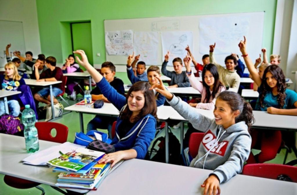 Gut gelaunt ins neue Schuljahr: an vielen Schulen wie am Schickhardt-Gymnasium werden die Klassen gemischter. Darauf müssen sich auch die Lehrer einstellen. Foto: Horst Rudel