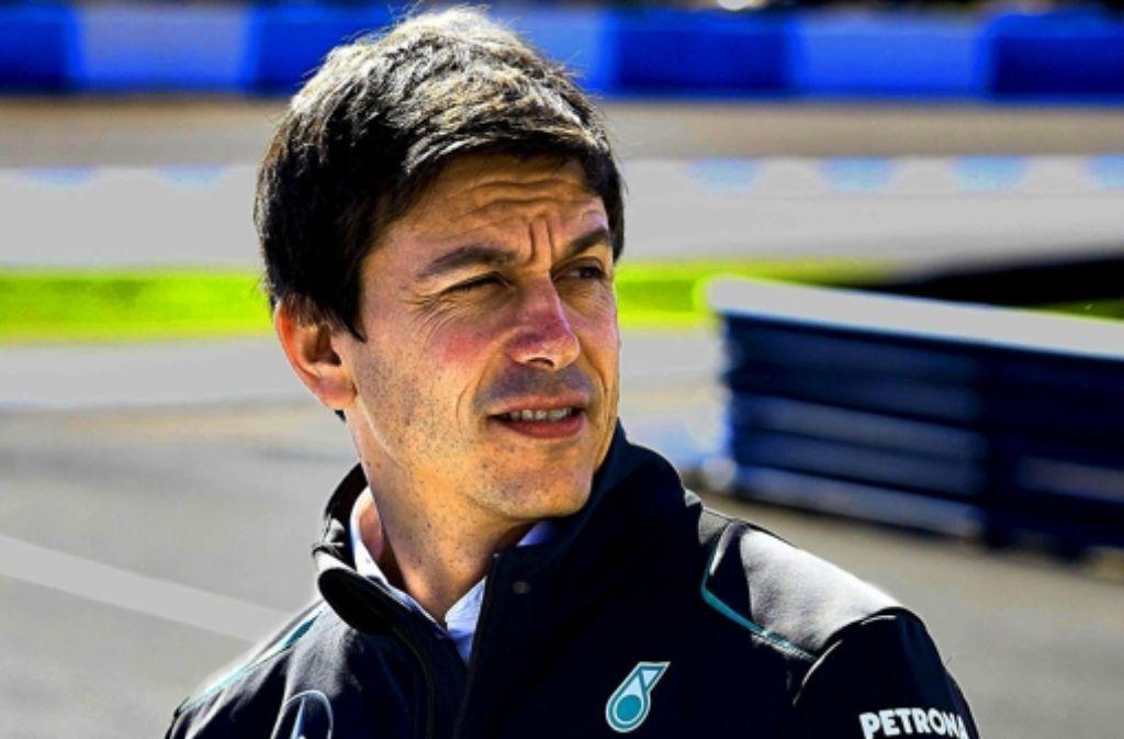 Toto Wolff (r.) ist froh über den Erfolg von Mercedes in der Formel 1. Foto: Mercedes Motorsport